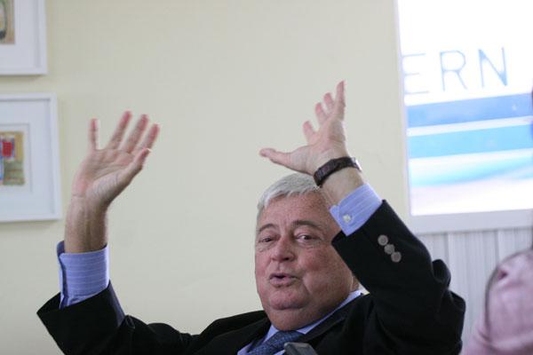 Notícias sobre o possível afastamento de Ricardo Teixeira do cargo corriam desde o início de  fevereiro