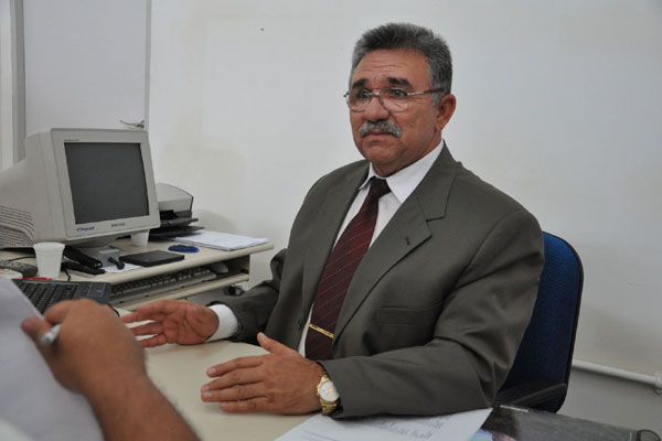 Coronel Severino Gomes dos Reis assumiu o cargo logo após a fuga de 40 detentos do presídio estadual de Nísia Floresta. Ficou apenas 40 dias no comando.