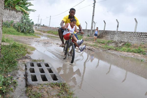 Parte da população do Nossa Senhora da Apresentação segue sem contar com ruas drenadas