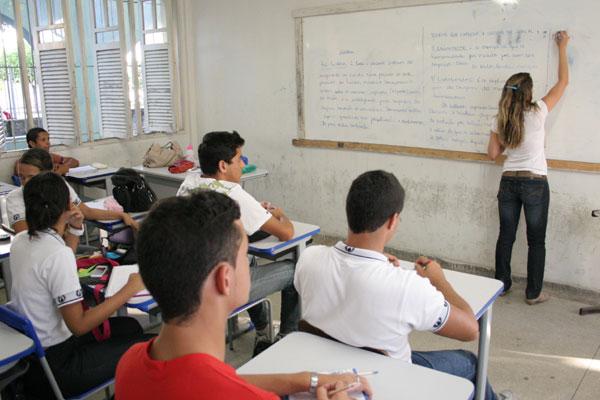 A turma da escola professor Anísio Teixeira teve seu último dia de aula desta semana, ontem. A paralisação nacional vai até sexta-feira e a greve no Estado é uma ameaça