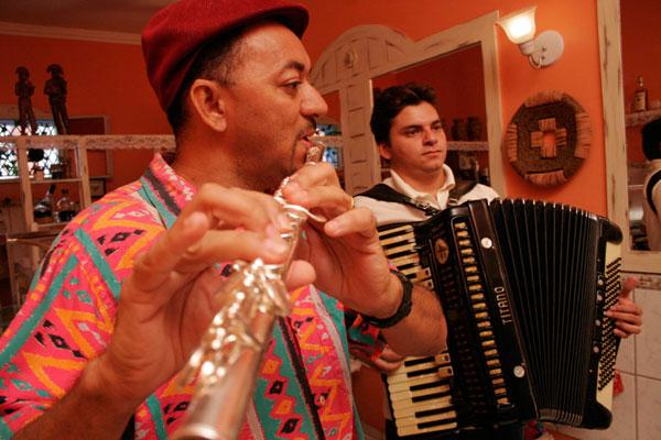Ciclo de cinema musical exibirá documentário sobre Carlos Zens