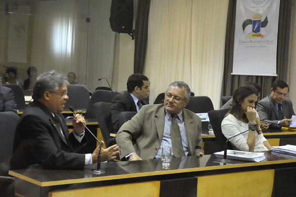 George Câmara, no centro da foto, pretende convocar o Marcco para uma audiência pública