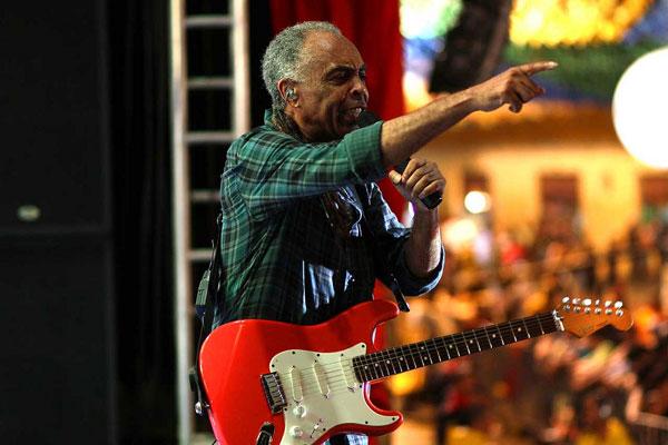 Distante da polêmica política cultural, Gilberto Gil fala ao VIVER sobre novo disco, mercado musical e turnê pelo norte dos Estados Unidos.