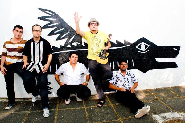 Mundo Livre explora humor e sonoridades brasileiras em novo disco