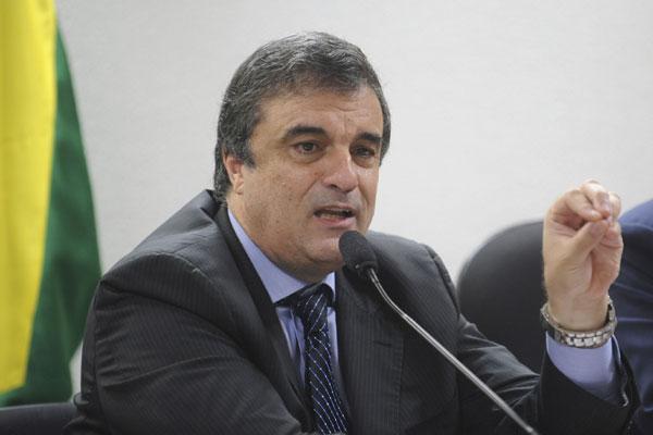 José Eduardo Cardozo: medida para evitar bêbados no volante