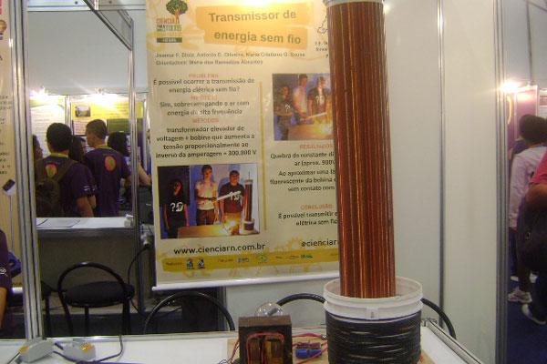 Transmissor de Energia sem Fio foi apresentado na Feira de Ciências e  Engenharia, em São Paulo