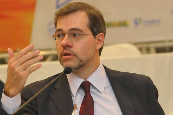 José Dias Toffoli, ministro do Supremo Tribunal Federal: Pessoalmente sou a favor da utilização do Twitter.