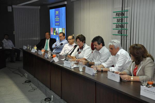 O convênio que garante recursos para as obras de infraestrutura da ZPE foi assinado ontem, quando também foram discutidos os  prazos do projeto