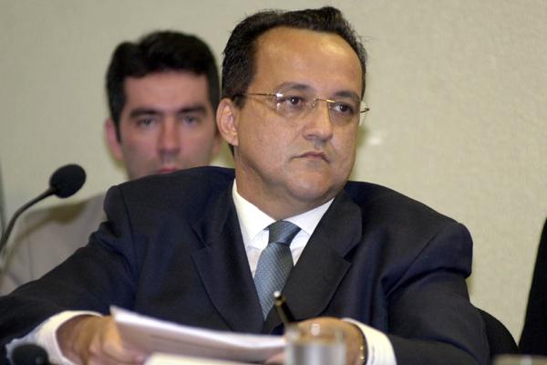 Carlinhos Cachoeira: anúncio da transferência no mesmo dia em que morreu e foi enterrada a mãe