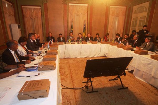 Rosalba Ciarlini participa de encontro com Governadores em Sergipe