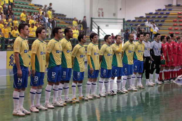 Com Falcão entre os convocados, Brasil realiza amistosos de preparação para a Copa do Mundo de 2012