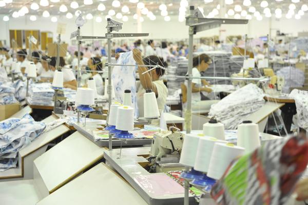Entre as propostas, que ainda estão sendo avaliadas, estão conceder incentivos diferenciados para os setores mais afetados pela concorrência estrangeira, como o têxtil