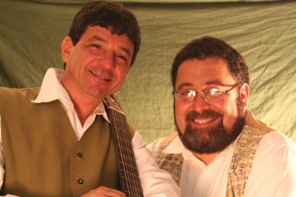 Álvaro Barros e Danilo Guanais tocam juntos desde 1984, unindo erudito e popular