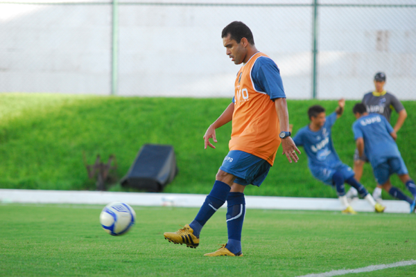 Renatinho se recuperou da lesão na coxa, voltou ao treinos com bola e pode ser a novidade no alvinegro
