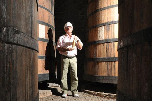 José da Costa Souza fala sobre produção de cachaça na fazenda