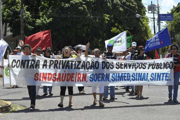 * Sindicatos protestam contra projeto de Lei do Governo do RN.