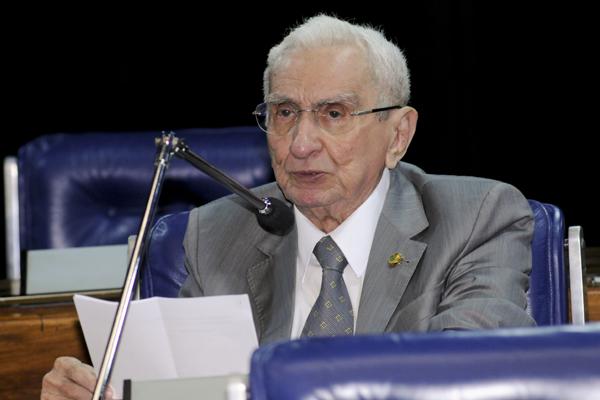 Garibaldi Alvez faz pronunciamento, em plenário, sobre estiagem