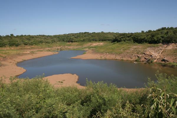 No município de Luís Gomes, açude secou e abastecimento é feito por carro-pipa. Na zona rural situação é mais preocupante
