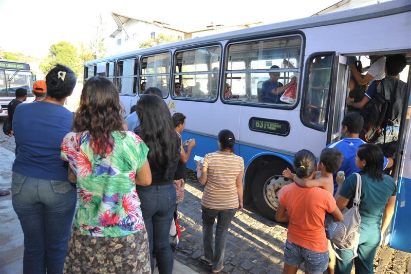 Greve dos motoristas e cobradores de ônibus é suspensa