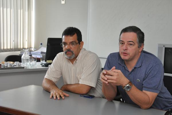 O presidente da Coopanest, médico Frederich Abreu e  Sérgio Lima, anestesiologistas, falam sobre os problemas de repasse de pagamento à cooperativa