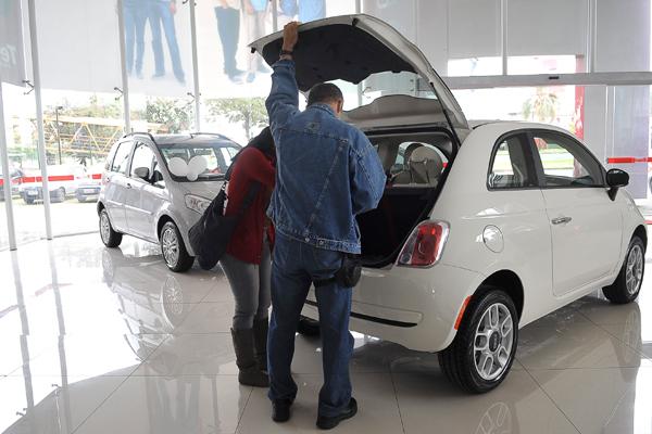 Com menos juros e imposto o setor de veículos atrai o consumidor