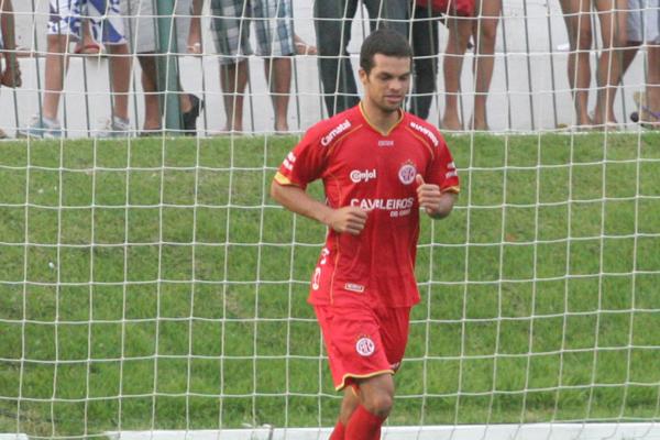 Ausente da partida de estreia, Márcio Passos retorna à equipe