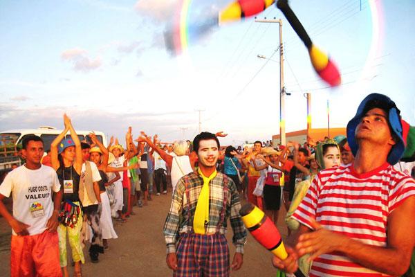 Escambo Livre de Rua surgiu em Janduís em 1991, e hoje tem conexões em todo o país. Além de receber grupos de outros Estados, também é visitado por diretores e dramaturgos como Amir Haddad