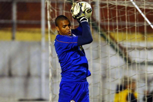 Aos 38 anos, Dida estreou bem pela Portuguesa vencendo o São Paulo em sua primeira partida após dois anos