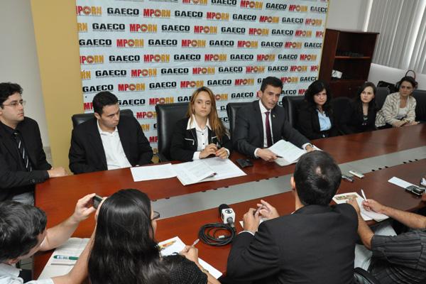 Promotores do Ministério Público Estadual explicaram operação em entrevista coletiva