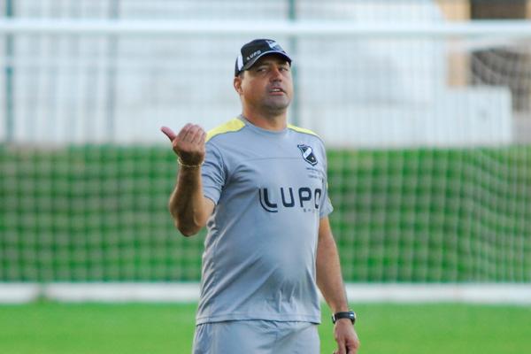 Técnico Márcio Goiano tem problema e faz mistério quanto ao time