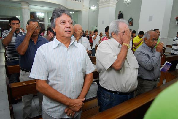 Iniciativa de Gilberto Andrade (E) estimulou outros fiéis e permitiu implantação do Terço em Natal.