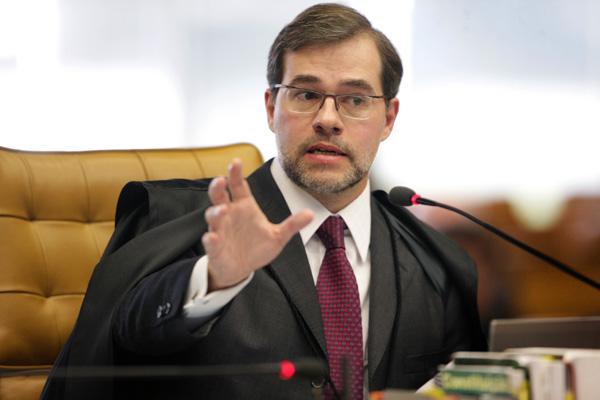 Ministro Dias Toffoli votou pela reconsideração do projeto que impedia candidaturas de políticos com prestação de contas rejeitadas