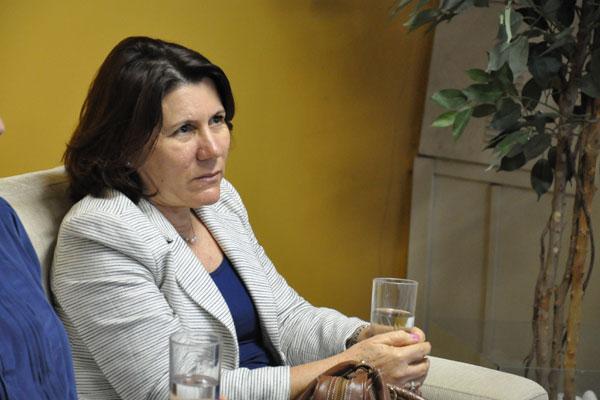 Ângela Paiva: 255 novos doutores contratados em um ano