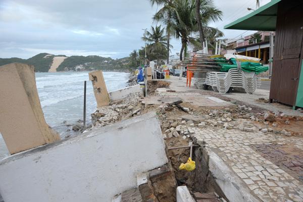 A Prefeitura deu início à recuperação de 180 metros do calçadão