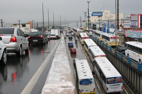 O DNIT anunciou a construção de duas passarelas na avenida Tomaz Landim, em Igapó
