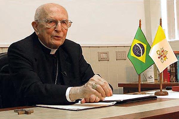 Dom Eugênio Sales manteve-se presente no Vaticano durante anos