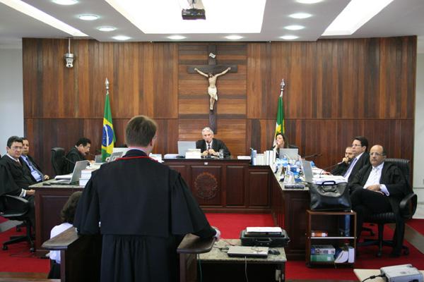 Juízes eleitorais vão decidir se acatam as recomendações dos procuradores contra os registros