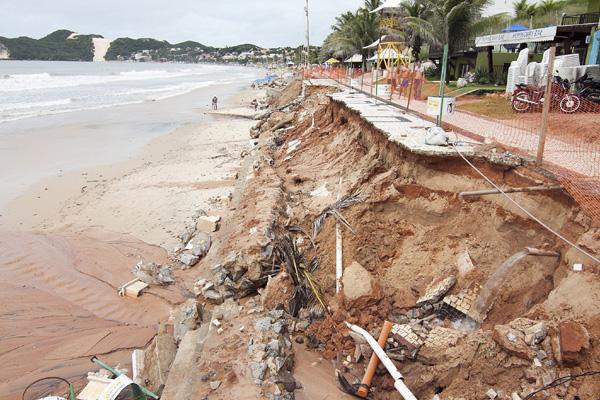 Desabamentos devido ao avanço do mar começaram em fevereiro