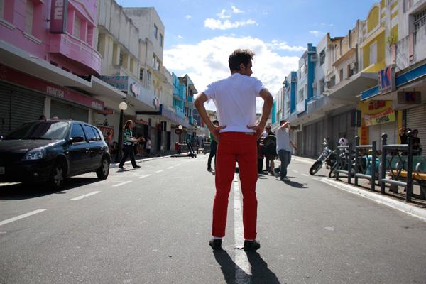 O diretor na gravação de Miss Me, em Campina Grande: plano sequência e muitas referências pop