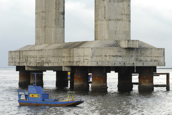 Ponte Newton Navarro foi inaugurada em 2007 sem a devida proteção