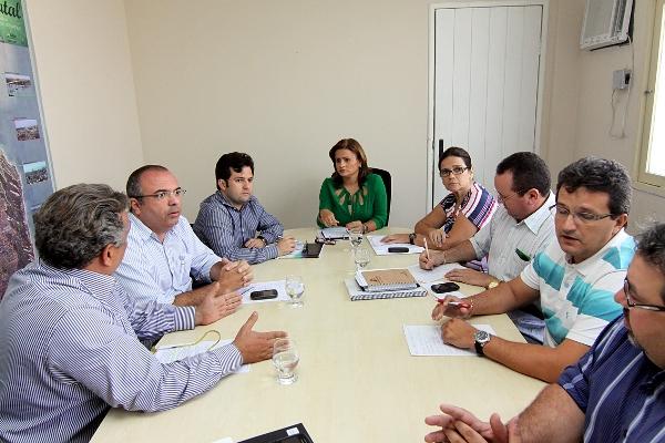 Micarla quer relatório com análise dos danos e dos custos necessários para obras