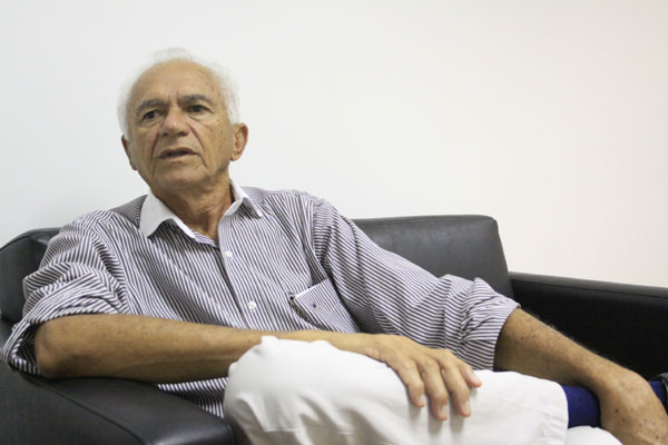 Diretor-geral do Varela Santiago, Paulo Xavier, diz que problemas em repasses são constantes
