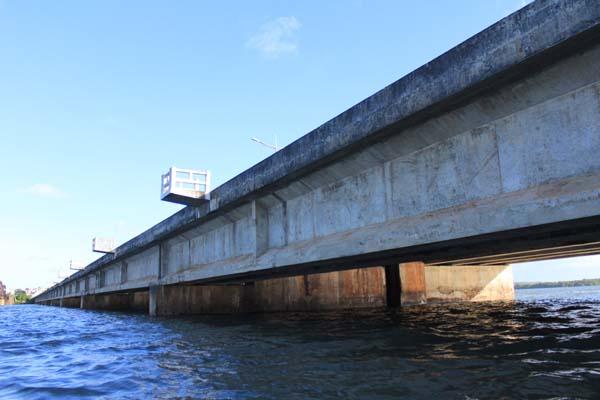 A Ponte de Igapó, construída sobre o rio Potengi, foi inaugurada há 30 anos e nunca passou por recuperação
