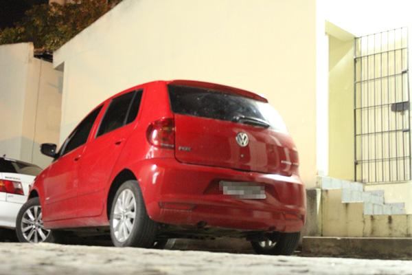 Carro encontrado com suspeito detido foi averiguado pela Polícia Civil e estava no pátio da Deicor