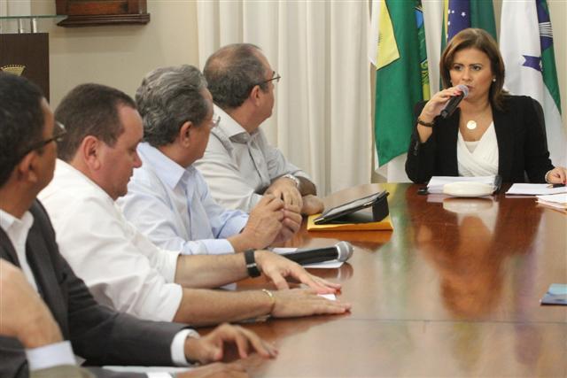 Micarla se reuniu com secretários e empresários para apresentar resultados das reuniões em Brasília