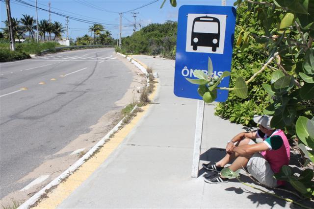 Turistas reclamam de falta de estrura na Via Costeira