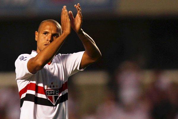 Luis Fabiano marcou dois gols na vitória do São Paulo