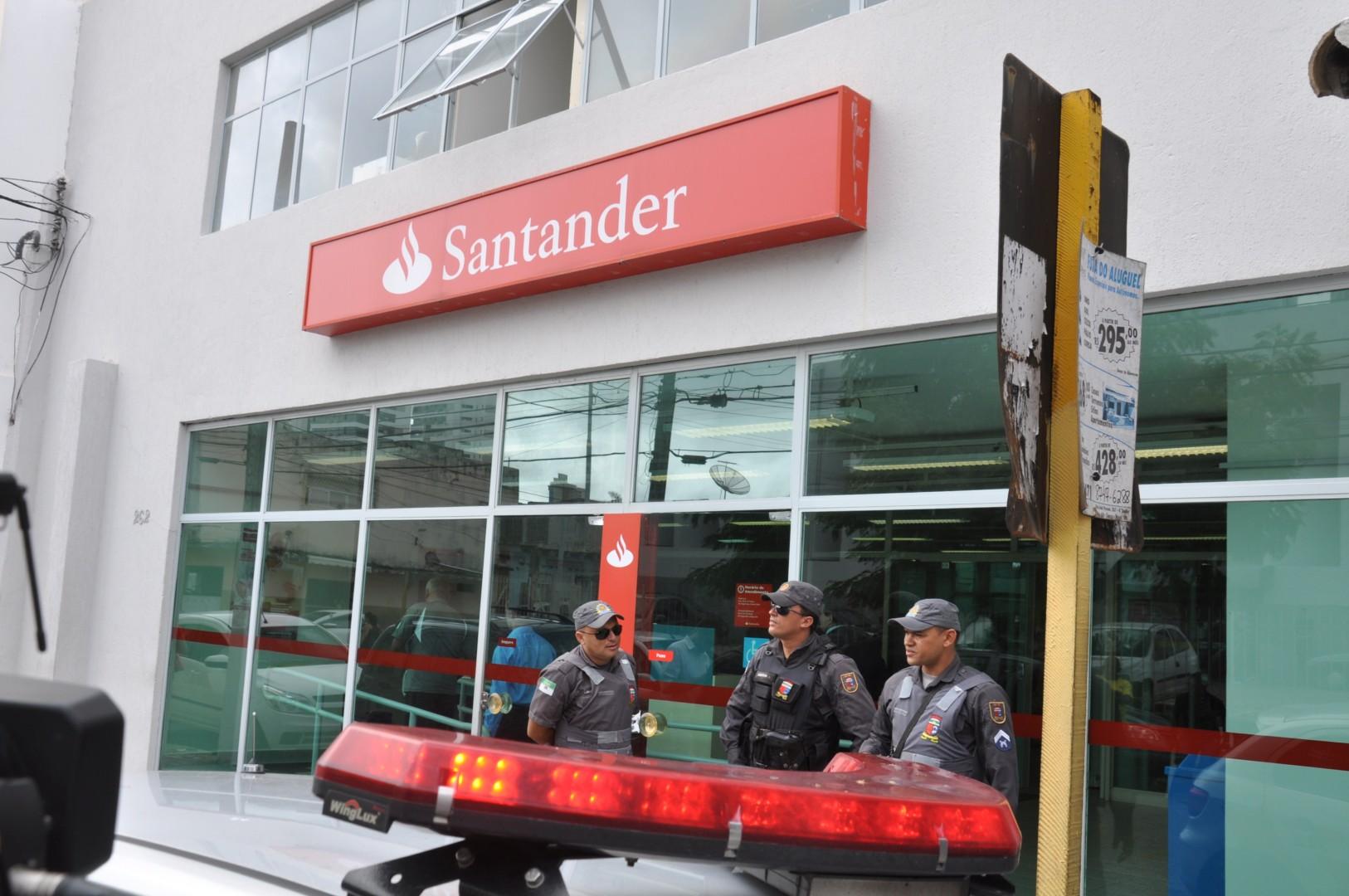 Soanatareportagens natal cidade alta bandidos arrombam for Horario oficinas banco santander