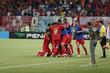 Jogadores do América comemoram gol